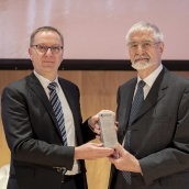 EPMA Fellowship Award 2018 Winner - Prof Paul Beiss with EPMA President Mr Philippe Gundermannes
